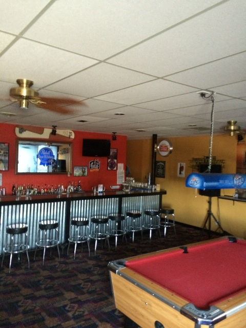 Wing and BBQ Restaurant and Bar for Sale near Denver has it all!!