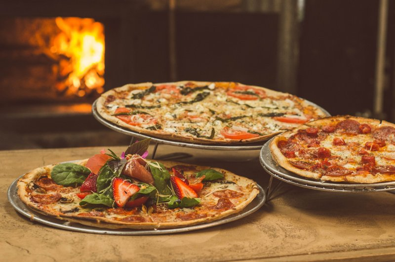 Pizzeria for Sale in Coral Springs – Monthly Rent of $2,259