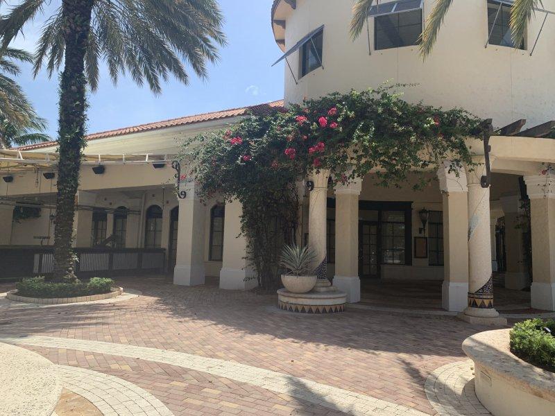 Restaurant Space for Lease in Palm Beach Gardens FL