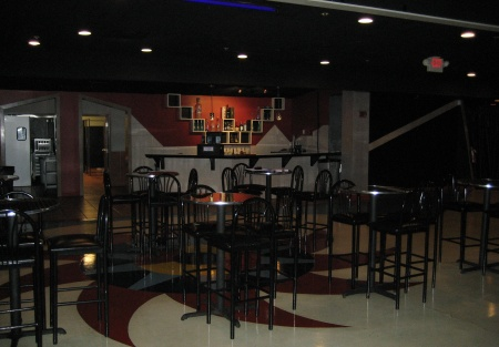 Restaurant Space for Lease Ready to be Your Next Pub, Restaurant or Bar