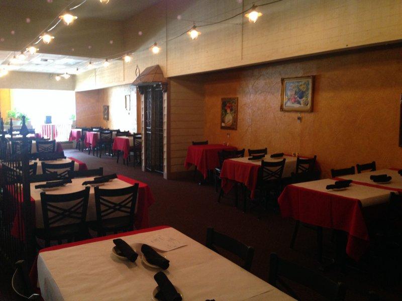 Italian Restaurant for Sale in Prime Location!