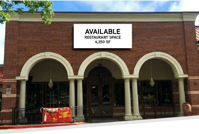 Restaurant space for lease!  Endcap Unit in Booming Roswell Georgia