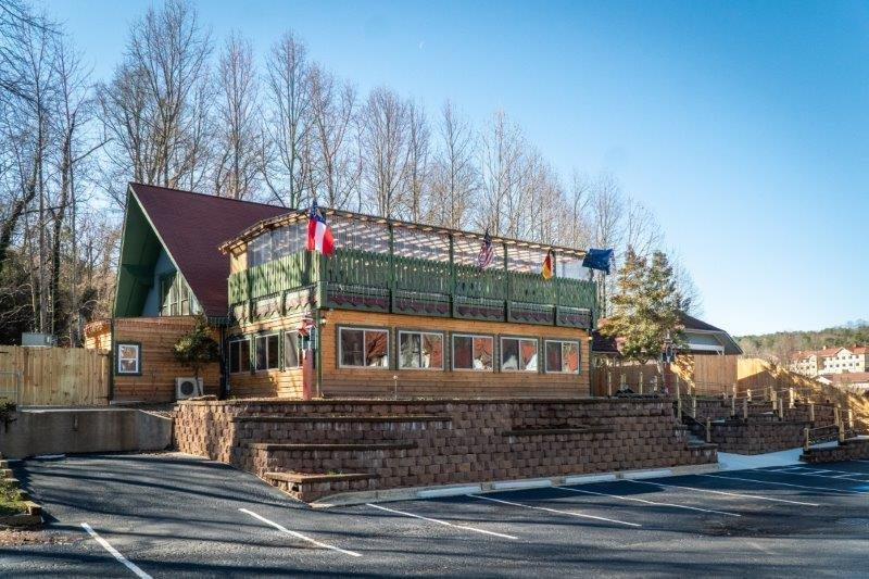 Beautiful Restaurant and Brewery for Sale in Tourist Town