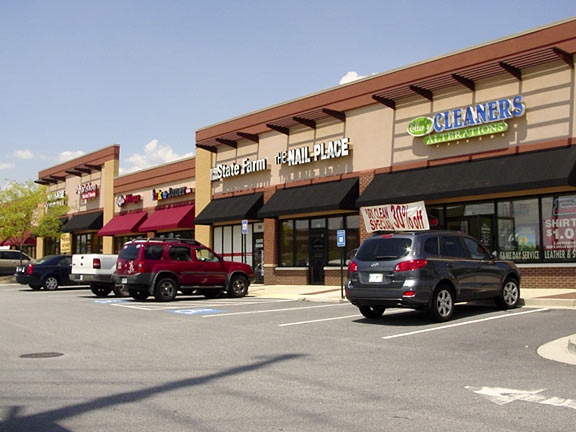 Former Starbucks for Lease - FREE to Qualified Tenant