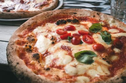 https://www.wesellrestaurants.com/public/uploads/images/_2020-06-22_13_20_neapolitan-pizza-margherita-413x275.jpg