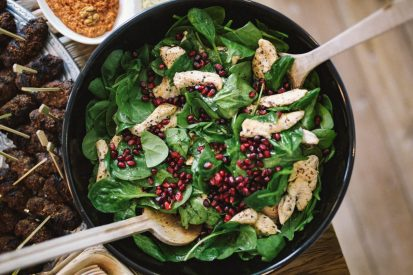 https://www.wesellrestaurants.com/public/uploads/images/_2020-06-24_09_47_spinach-pomegranate-and-chicken-salad-413x275.jpg