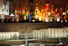 Restaurant for Lease with Bar in Boca Raton is Fully-Equipped!
