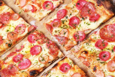 Looking for Pizza Restaurants For Sale? This one generates $400k/year!