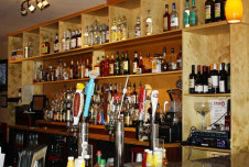 Bar and Grill for Sale in Florida - Over $1MM in Sales $200,000 Owner Benefit