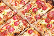 Turnkey Pizza Franchise for Sale -Gwinnett County Earnings of $60,000