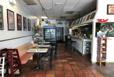 Restaurant for Sale in Ft. Lauderdale Can Convert to Any Concept