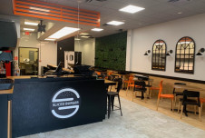 Fully Equipped Turnkey Restaurant Space for Lease in Coral Springs